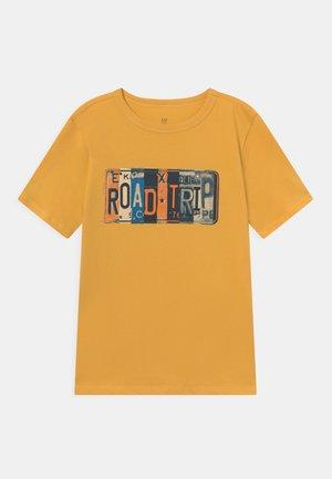 JULY - Print T-shirt - starlight gold