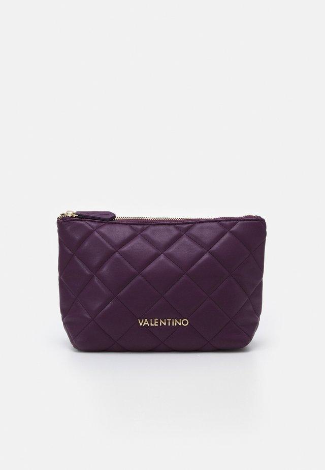 OCARINA - Kosmetická taška - prugna