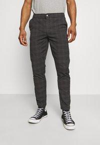 Redefined Rebel - KING PANTS - Kalhoty - dover check - 0