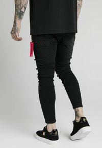 SIKSILK - DISTRESSED  WITH ZIP DETAIL - Jeans Skinny Fit - washed black - 4