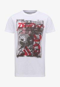 Petrol Industries - Print T-shirt - lava - 0