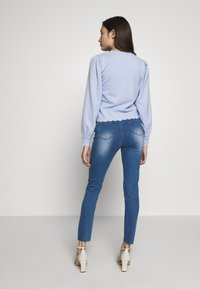 Missguided Petite - SINNER CLEAN DISTRESS - Jeans Skinny Fit - blue - 2