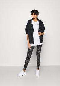 Nike Sportswear - AIR HOODIE PLUS - Zip-up hoodie - black - 1