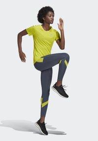 adidas Performance - RESPONSE AEROREADY SPORTS RUNNING LEGGINGS - Tights - legacy blue/acid yellow - 1