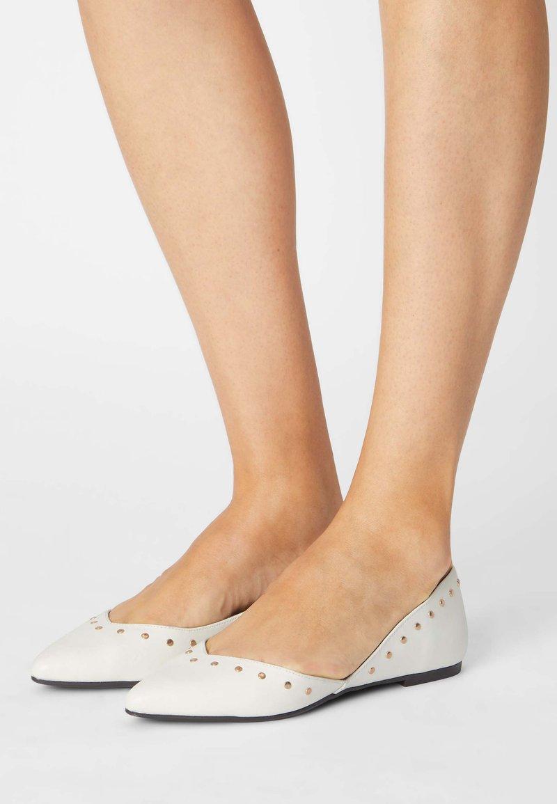 Even&Odd - Ballet pumps - white