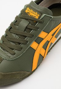 Onitsuka Tiger - MEXICO 66 UNISEX - Sneakers basse - smog green/amber - 5