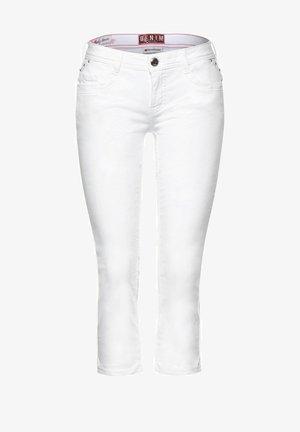CASUAL FIT IN 3/4 - Denim shorts - weiß
