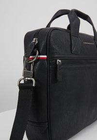 Tommy Hilfiger - ESSENTIAL COMPUTER BAG - Briefcase - black - 6