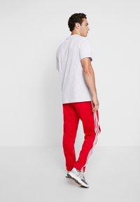 adidas Originals - FIREBIRD ADICOLOR TRACK PANTS - Trainingsbroek - scarlet - 2