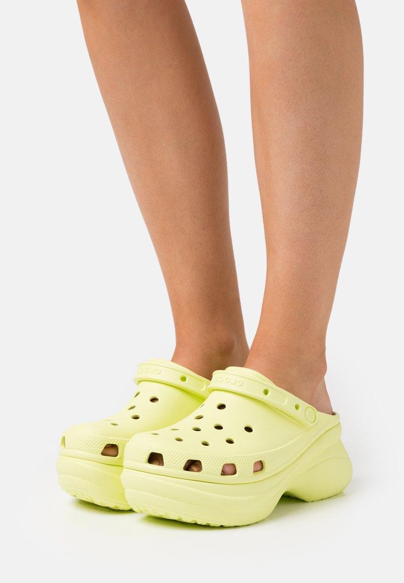 Crocs - CLASSIC BAE  - Heeled mules - lime zest