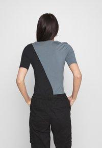 adidas Originals - BODY - Print T-shirt - blue oxide/black - 2
