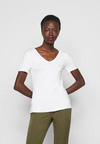 Anna Field Tall - 3 PACK V NECK TOP - Printtipaita - black/white/light grey - 4