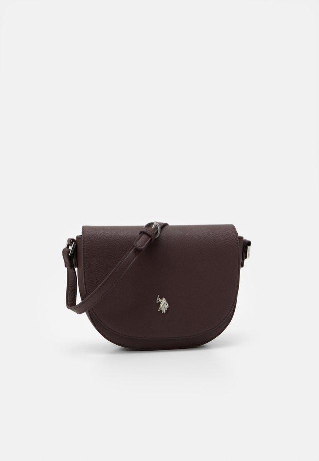 JONES FLAP BAG - Across body bag - brown