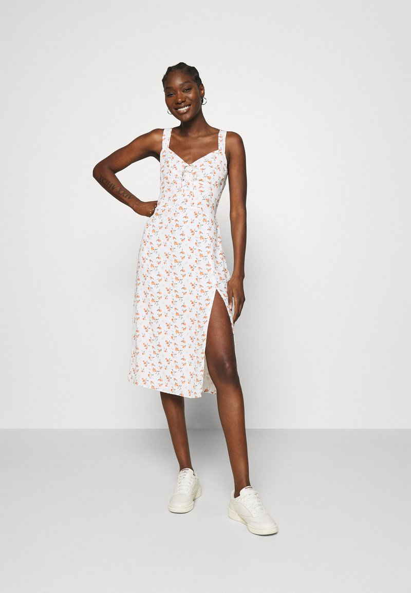 Abercrombie & Fitch - CINCH FRONT MIDI DRESS - Day dress - white