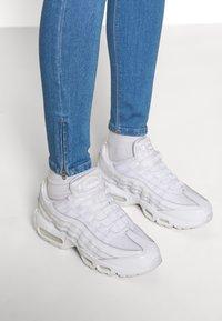 ONLY - ONLKENDELL LIFE  - Jeans Skinny Fit - light blue denim - 5