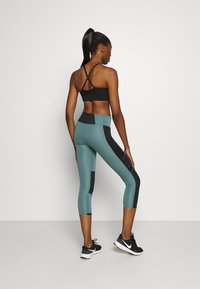 Under Armour - RUN ANYWHERE CROP - Medias - lichen blue - 2