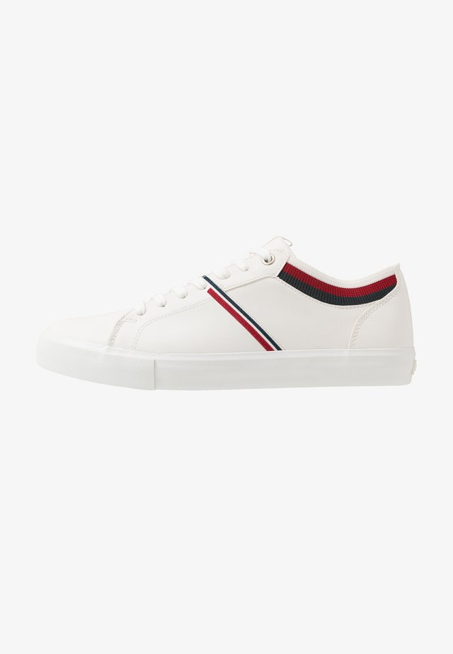 WOODWARD COLLEGE - Sneakers basse - regular white
