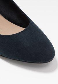 Tamaris - COURT SHOE - Classic heels - navy - 2