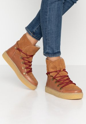 LOLA - Platform ankle boots - tan