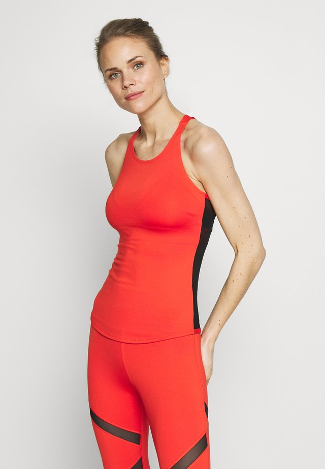 MESH BACK RUST - Top - red