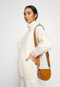 NA-KD - BIG NECK CABLE - Jumper - off white - 3