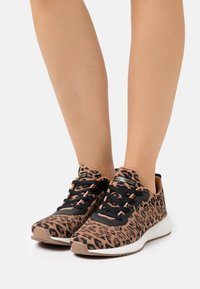 Skechers Sport - BOBS SQUAD - Trainers - brown - 0