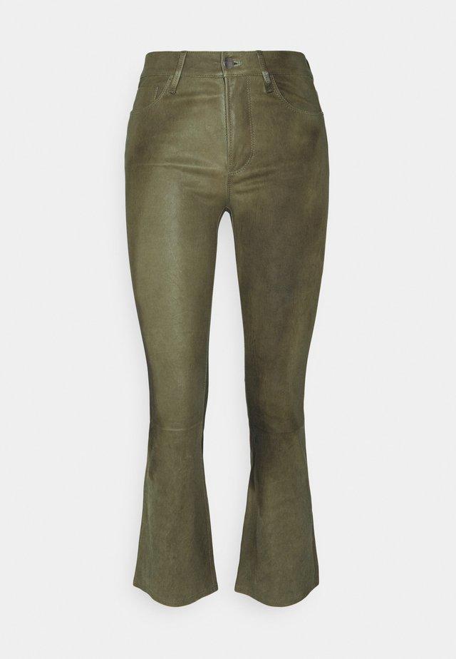 CROP MINI BOOT - Kožené kalhoty - military