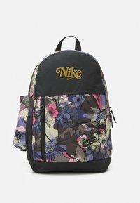 Nike Sportswear - ELEMENTAL 20 L UNISEX - Rugzak - off noir/metallic gold - 0