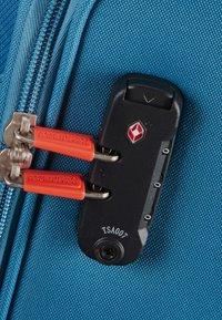 American Tourister - HOLIDAY HEAT - Wheeled suitcase - denim blue - 4