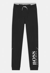 BOSS Kidswear - BOTTOMS - Teplákové kalhoty - black - 0