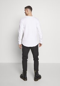 Tigha - CHIBS - Long sleeved top - white - 2