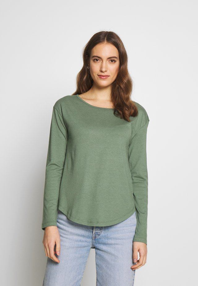 BASIC - Long sleeved top - laurel wreath