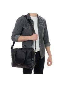 Gusti Leder - Briefcase - black - 0