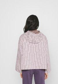 Nike Sportswear - HOODIE - Sweatshirt - platinum violet/taupe haze/black - 2