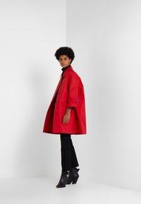 Mackintosh - HUMBIE COAT - Krátký kabát - goji - 1