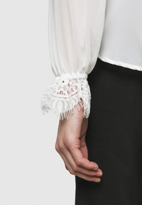 Bruuns Bazaar - VANNES MARIS - Blouse - white - 6