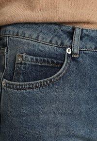 Selected Femme - MOM MID - Relaxed fit -farkut - medium blue denim - 6