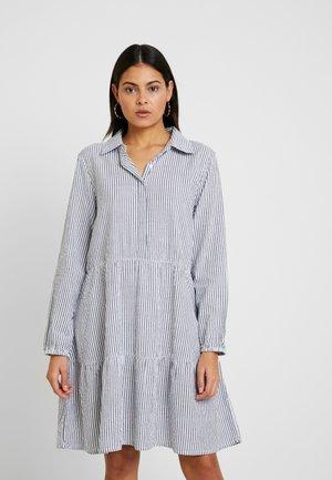 TIA DRESS - Košilové šaty - bright white