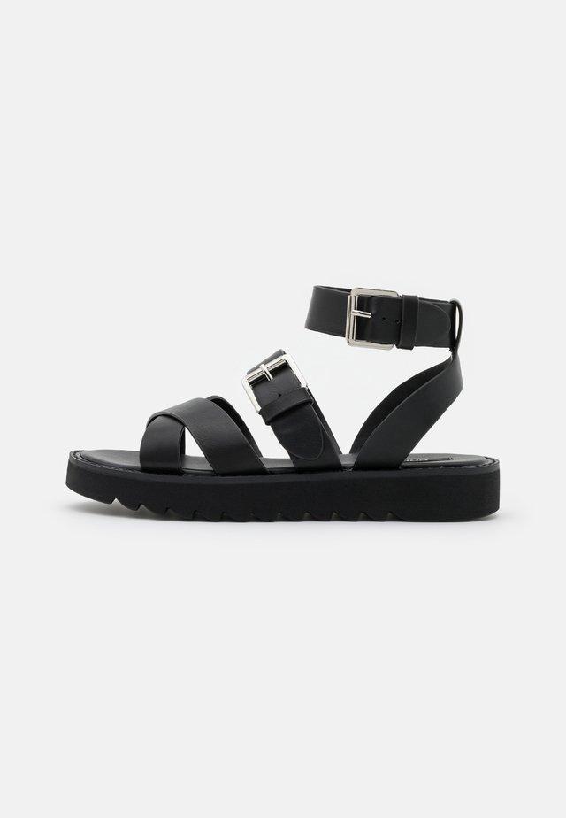 ONLMALU CHUNKY WRAP - Sandalen met plateauzool - black
