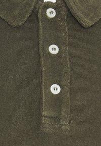 CLOSED - SHORT SLEEVE - Polo shirt - grey fir - 6