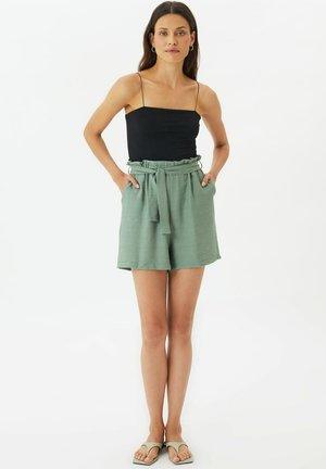 PARENT - Shorts - green