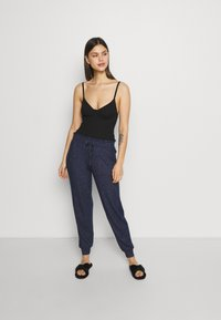 Marks & Spencer London - Pyjama bottoms - navy mix - 1