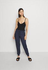 Marks & Spencer London - Pyjama bottoms - navy mix - 1