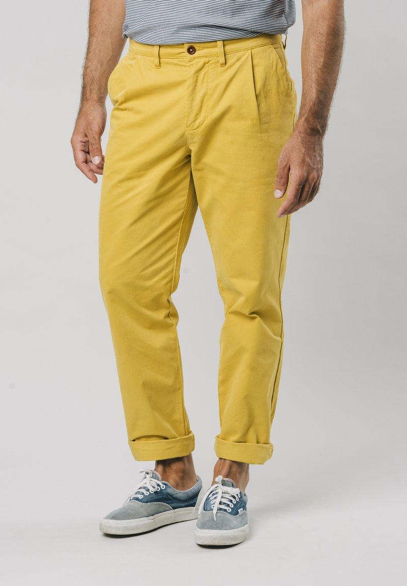Brava Fabrics - NARCISO PLEATED - Chinos - yellow