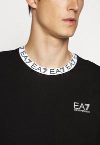 EA7 Emporio Armani - TEE COLLAR LOGO - Top sdlouhým rukávem - black - 6