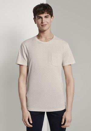 STRUCTURED  - T-shirt con stampa - fog beige thin yarn dye stripe