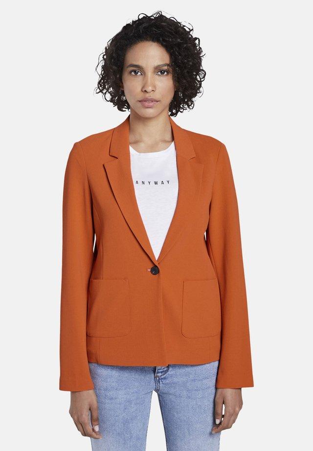 BLAZER BLAZER MIT ZWEI TASCHEN - Blazer - fiery orange