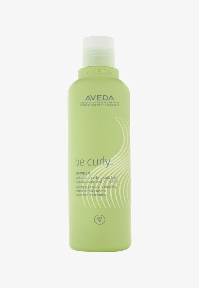 BE CURLY™ CO-WASH  - Schampo - -