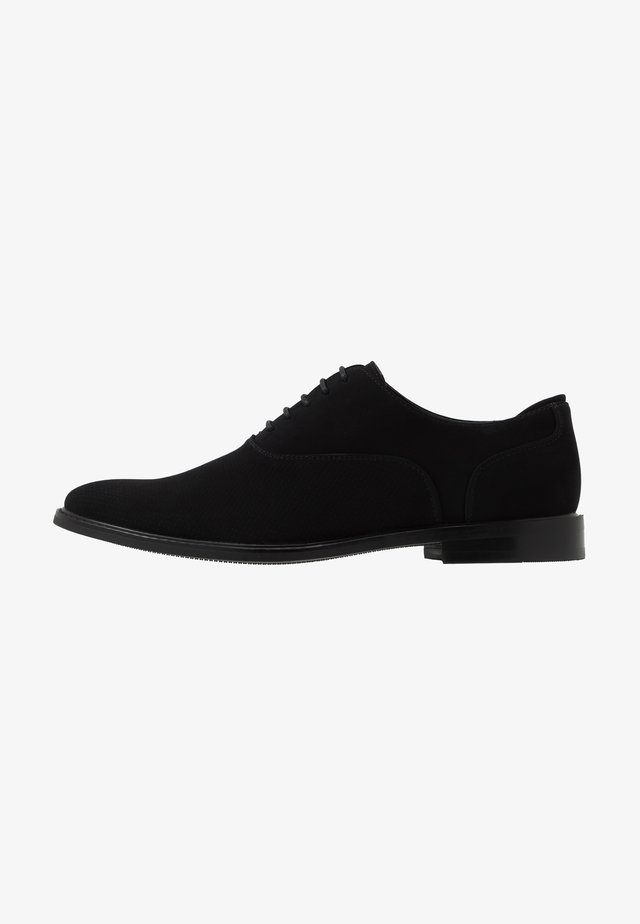 VEGAN FRESIEN - Veterschoenen - black