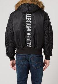 Alpha Industries - HOODED CUSTOM - Light jacket - black/reflective - 4